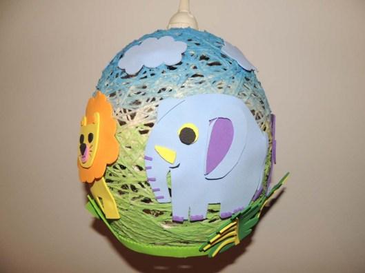 sznurkowa kolorowa lampa dziecieca, ręcznie robiona